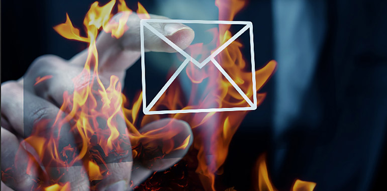 5 Cold Email Template Tricks That Get HOT Lead Returns